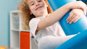 Zabawy i aktywności stymulujące rozwój dzieci z autyzmem